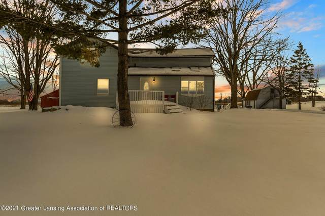 12261 W State Road, Grand Ledge, MI 48837 (MLS #253239) :: Real Home Pros