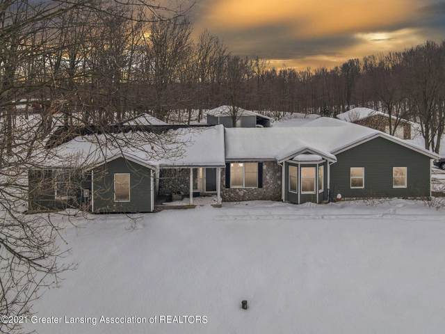 5984 N River Road, Grand Ledge, MI 48837 (MLS #253261) :: Real Home Pros