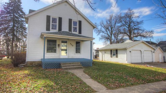 112 E Washington Street, Grand Ledge, MI 48837 (MLS #223593) :: Real Home Pros