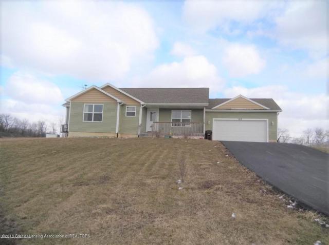 1912 Meadow Hills Drive, Eaton Rapids, MI 48827 (MLS #225015) :: Real Home Pros