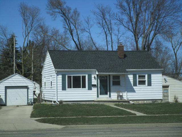 1634 W Mt. Hope Avenue, Lansing, MI 48910 (MLS #225374) :: Real Home Pros