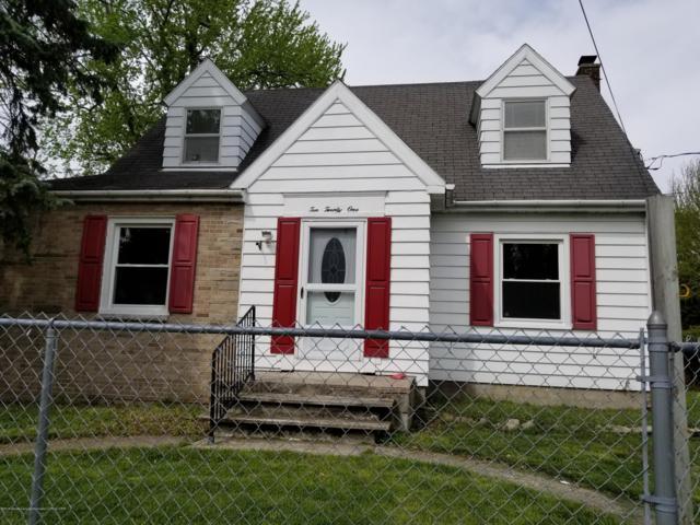 1021 Hapeman Street, Lansing, MI 48915 (MLS #226069) :: Real Home Pros