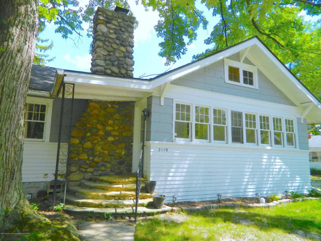 2119 S Rundle Avenue, Lansing, MI 48910 (MLS #229246) :: Real Home Pros