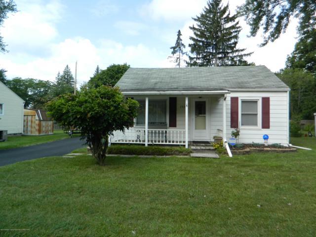 2922 S Catherine Street, Lansing, MI 48911 (MLS #229602) :: Real Home Pros