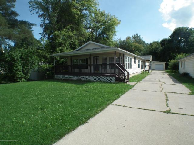 823 Jones Street, Grand Ledge, MI 48837 (MLS #230286) :: Real Home Pros