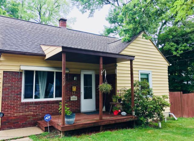 707 Denver Street, Lansing, MI 48910 (MLS #230737) :: Real Home Pros