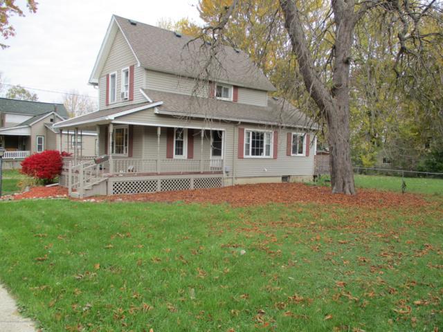 110 W Lewis Street, St. Johns, MI 48879 (MLS #231742) :: Real Home Pros