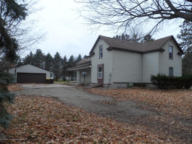 607 Lyons Road, Portland, MI 48875 (MLS #232505) :: Real Home Pros