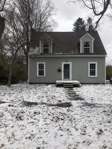 520 Pleasant Street, Grand Ledge, MI 48837 (MLS #232514) :: Real Home Pros