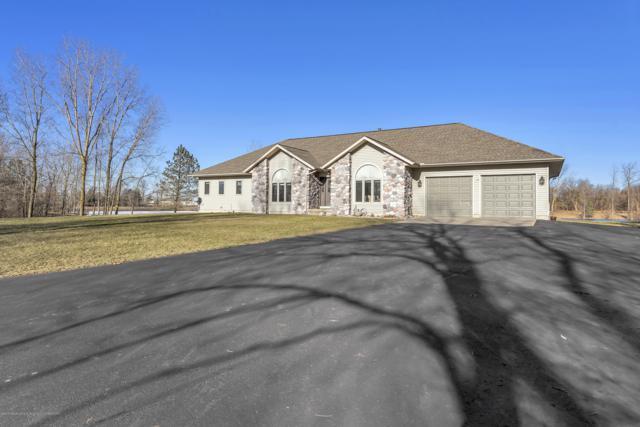 8558 Ironstone Drive, Dimondale, MI 48821 (MLS #233049) :: Real Home Pros