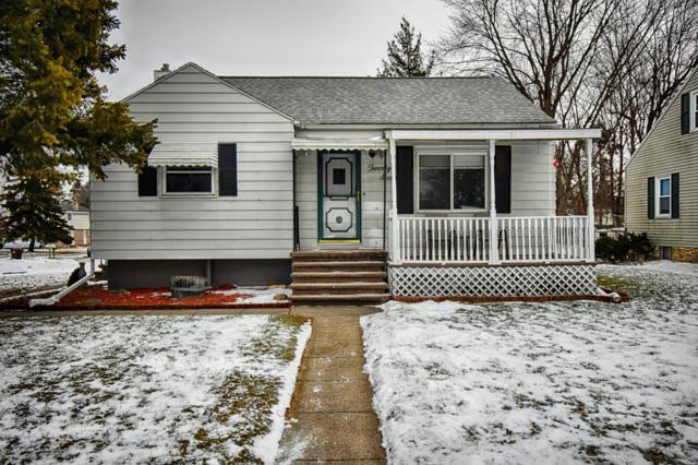 2060 Park Lane, Holt, MI 48842 (MLS #234132) :: Real Home Pros