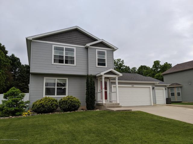 957 Bolton Farms Lane, Grand Ledge, MI 48837 (MLS #237750) :: Real Home Pros
