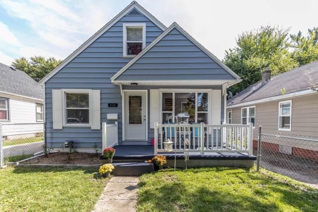 2109 S Pennsylvania Avenue, Lansing, MI 48910 (MLS #240979) :: Real Home Pros