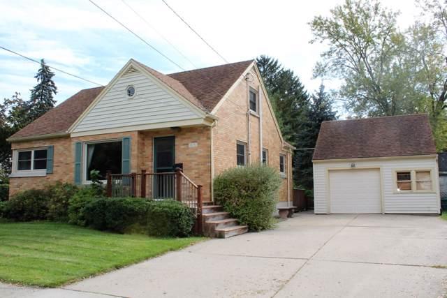 415 Park Street Gl, Grand Ledge, MI 48837 (MLS #241783) :: Real Home Pros