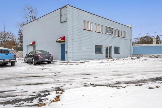 4601 N Grand River Avenue, Lansing, MI 48906 (MLS #242493) :: Real Home Pros