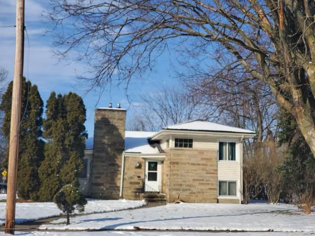 620 Everett Drive, Lansing, MI 48915 (MLS #243939) :: Real Home Pros