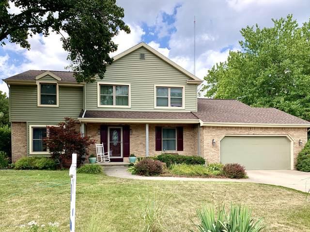 1858 Shadywood Lane, Okemos, MI 48864 (MLS #247910) :: Real Home Pros