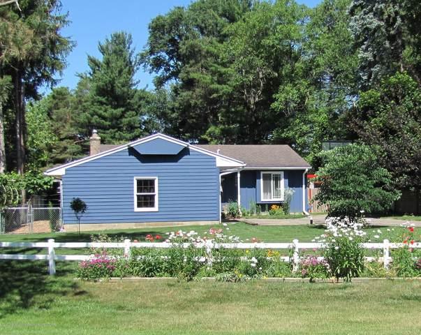 4579 Seneca Drive, Okemos, MI 48864 (MLS #248360) :: Real Home Pros