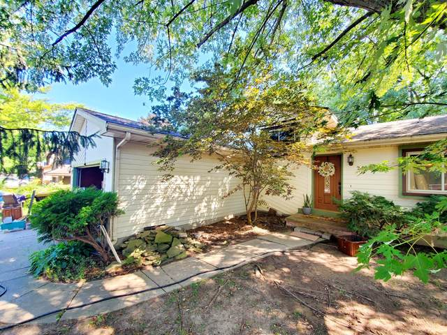 2413 Graystone Drive, Okemos, MI 48864 (MLS #249072) :: Real Home Pros