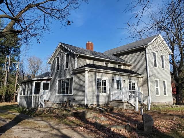 9355 E Cutler Road, Laingsburg, MI 48848 (MLS #251766) :: Real Home Pros