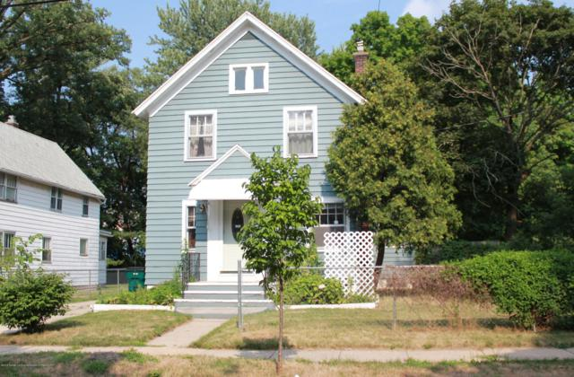 824 Wisconsin Avenue, Lansing, MI 48915 (MLS #229444) :: Real Home Pros