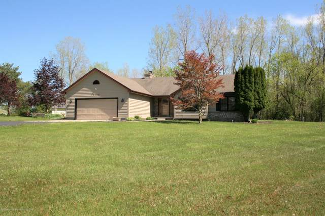 9455 Lookout Point Drive, Laingsburg, MI 48848 (MLS #244925) :: Real Home Pros