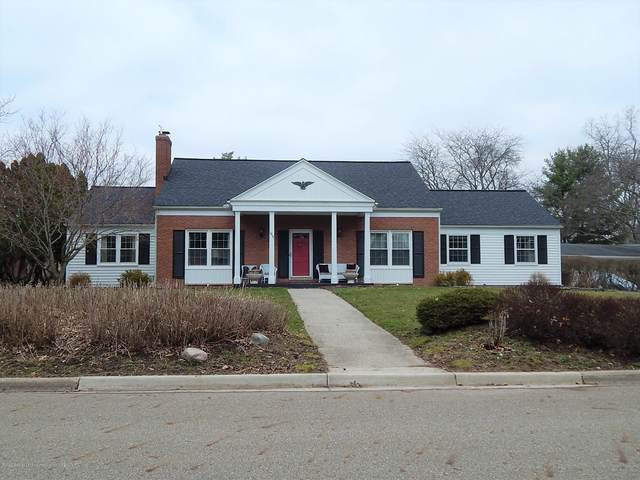 1817 Walnut Heights Drive, East Lansing, MI 48823 (MLS #245092) :: Real Home Pros