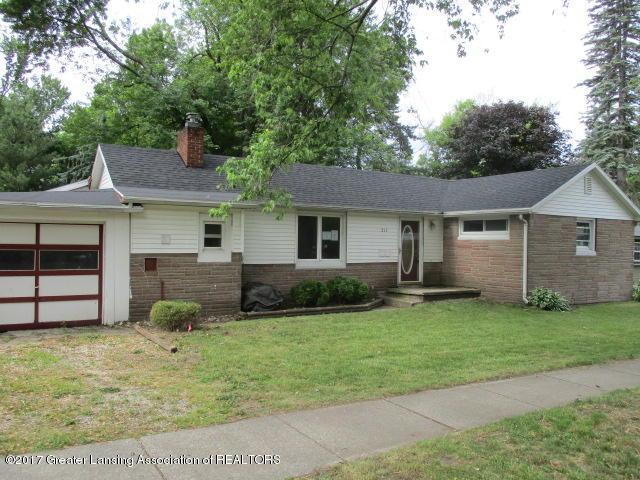 211 W South Street, Grand Ledge, MI 48837 (MLS #217195) :: PreviewProperties.com