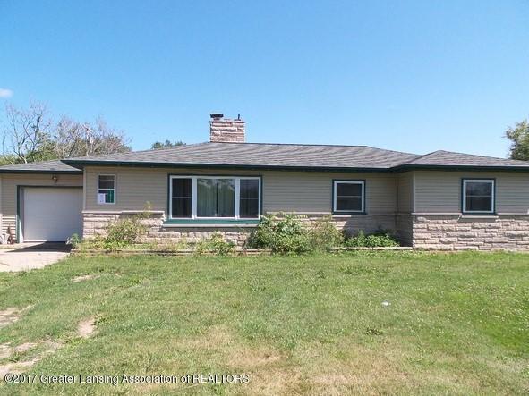 1071 Battle Creek Road, Charlotte, MI 48813 (MLS #219035) :: PreviewProperties.com