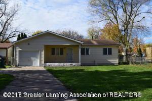 5712 Piper Avenue, Lansing, MI 48911 (MLS #225976) :: Real Home Pros