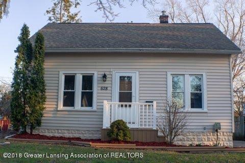 628 Irvington Avenue, Lansing, MI 48910 (MLS #226162) :: Real Home Pros