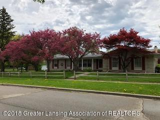 5523 Bennington Drive, Lansing, MI 48917 (MLS #227418) :: Real Home Pros
