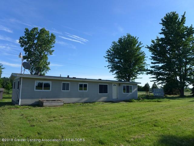 8145 W Juddville Road, Elsie, MI 48831 (MLS #227709) :: Real Home Pros