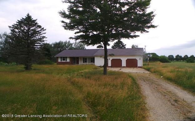 9920 W Bennington Road, Laingsburg, MI 48848 (MLS #227801) :: Real Home Pros