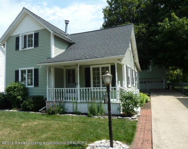 814 N Sheldon Street, Charlotte, MI 48813 (MLS #229449) :: Real Home Pros