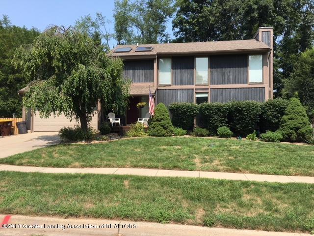 1210 Ascot, Haslett, MI 48840 (MLS #229595) :: Real Home Pros