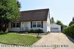 3306 Continental Drive, Lansing, MI 48911 (MLS #230098) :: Real Home Pros