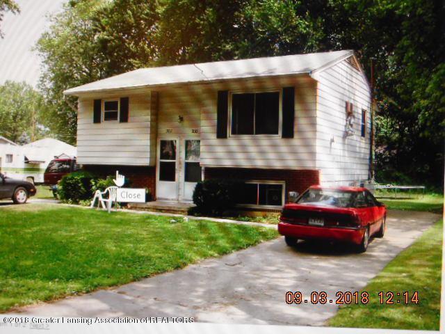 200 & 202 N Deerfield Avenue #2, Lansing, MI 48917 (MLS #230109) :: Real Home Pros
