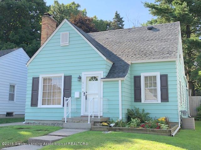 610 Riley Street, Lansing, MI 48910 (MLS #230165) :: Real Home Pros
