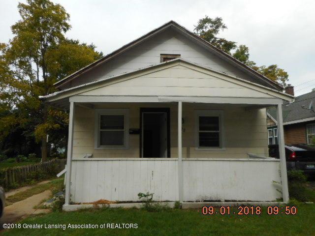 622 S Foster Avenue, Lansing, MI 48912 (MLS #230320) :: Real Home Pros