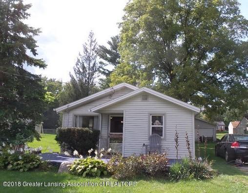303 Renker Road, Lansing, MI 48917 (MLS #230332) :: Real Home Pros