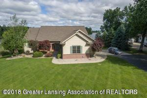 8892 Lake Pointe Dr., Laingsburg, MI 48848 (MLS #230333) :: Real Home Pros