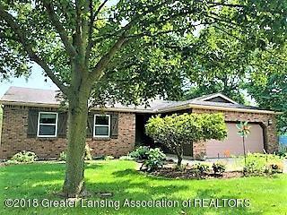 873 Moss Glen Circle, Haslett, MI 48840 (MLS #230412) :: Real Home Pros