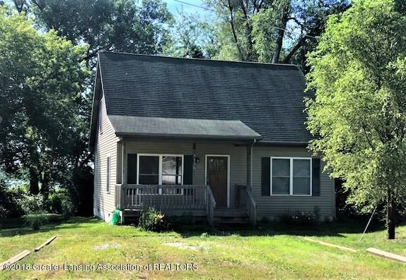 5796 Outer Drive, Bath, MI 48808 (MLS #230552) :: Real Home Pros
