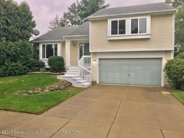 5734 Barren Drive, Lansing, MI 48911 (MLS #230810) :: Real Home Pros