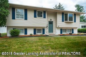 3311 Glasgow Drive, Lansing, MI 48911 (MLS #230990) :: Real Home Pros