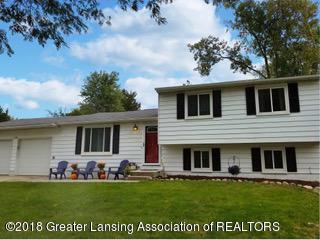 1108 Fairway Lane, Lansing, MI 48912 (MLS #231094) :: Real Home Pros
