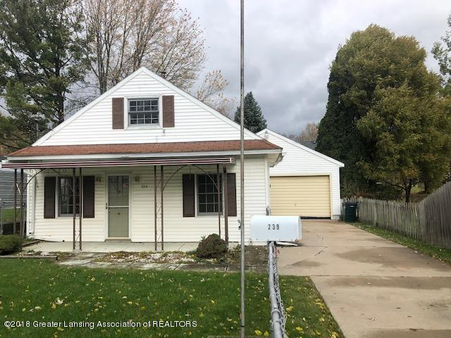 239 E Thomas Street, Lansing, MI 48906 (MLS #231948) :: Real Home Pros