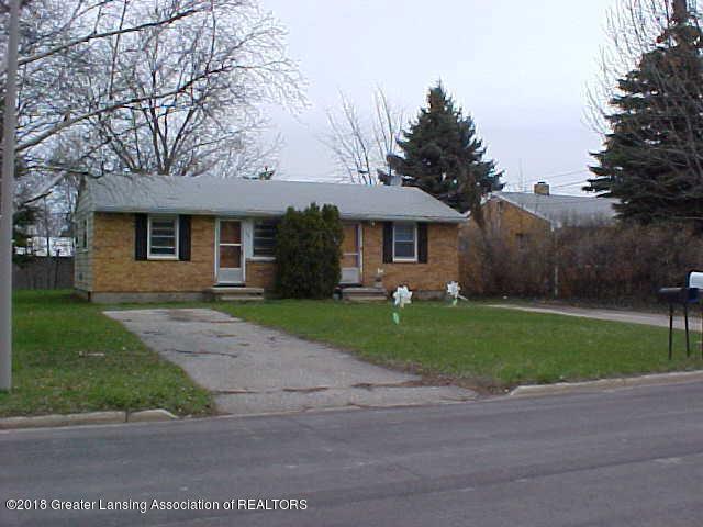 1109 Barr Avenue, Lansing, MI 48911 (MLS #232902) :: Real Home Pros