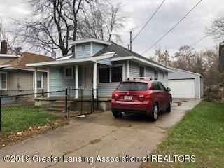 1114 W Willow Street, Lansing, MI 48915 (MLS #232978) :: Real Home Pros